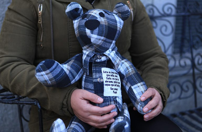 """Juárez woman sews """"memory bears' to bring comfort to the grieving"""